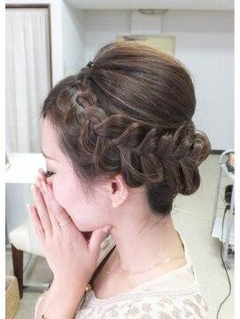 結婚式の髪型 ヘアアレンジ  編み込みアップ