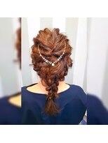 ヴァーチェ ヘアー(Virche hair)バックカチューシャが可愛いい編み込みスタイル