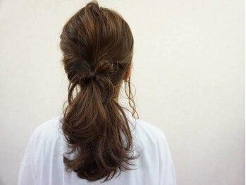 ヘアープレイス スパロウ(Hair place Sparrow)の写真/フォトスタジオのヘアセットも手掛けるスタイリスト☆お子様と一緒に記念を残したい時もSparrowにお任せ♪