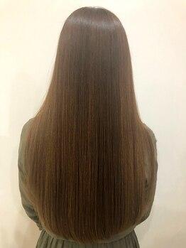 """ヘアースペース サイ(Hair Space SAI)の写真/≪フローディア正規取扱いサロン≫傷んだところだけに栄養補給・補修で""""サラサラ軽いのにまとまる""""新感覚☆"""