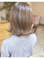 ヘアアンドメイクフリッシュ(HAIR&MAKE FRISCH)ミルクティーベージュボブ
