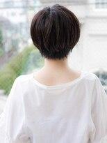 大人かわいいショートヘア 似合わせカット 暗髪