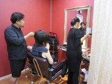 ヘアーアンドメイク リエ(Hair&make Rie.)の雰囲気(ヘアー・メイクをして、撮影に向かいます。)
