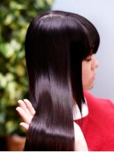 シーズンプラセンタパワー美髪スタイル♪(縮毛矯正&ストレートパーマ)