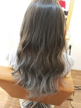 ヘアーリラクゼーション ティーノ(Hair relaxation tino)の写真/THROWカラーorイルミナカラーで透明感のある『外国人風カラー』に☆白髪染めでもトレンドスタイルが叶う♪