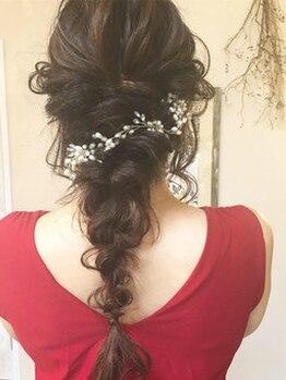 """アンドアート ヘアーデザイン(AND ART HAIR DESIGN)の写真/【大切な日のヘアセットは""""AND ART""""】結婚式や二次会、女子会やイベントにも◎思い出に残る1日を華やかに♪"""