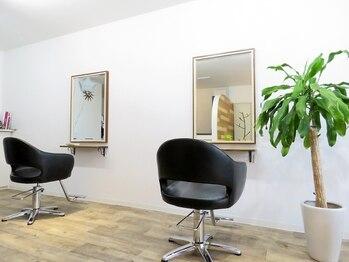 ヘアー マルーシュ(HAIR malrsh)の写真/落ち着いた空間が自慢の[malrsh]お客様一人一人がリラックスできるようなサロン作りを心がけています。