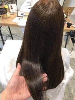 ドルチェヘアー 今里店(DOLCE hair)の写真/【今里駅スグ】季節や髪質に合わせて豊富な種類のトリートメントからあなたにぴったりの提案をしてくれる☆