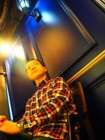 ビーユナイテッドギンザ(B-united Ginza)メンズおシャレネルシャツコーデ<理容室>