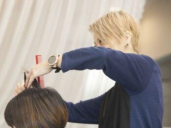 ココニベンテ(552vente)の写真/一人一人の髪質・髪のお悩みを見極め、次回までのスタイルを考えてデザインしてくれる552vente♪