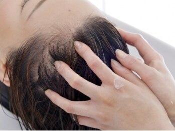 ヘアー リヴ シェイプ(Hair LIVE SHAPE)の写真/【頭皮クレンジングするアロマスパ&抜け毛のお悩みスパ】アロマで地肌リフレッシュ&髪を育てたい方用スパ!