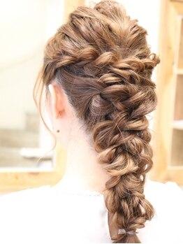 ヘアースタジオ シロ(hair studio siro)の写真/結婚式・お呼ばれなどフォーマルスタイルだけでなく、二次会・イベントにも可愛いカジュアルスタイルまで◎