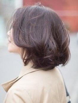フリッカ(FLICKA)の写真/【西28丁目・朝9時OPEN】天然由来成分94%配合◎ダメージレスで色持ちの良い上品大人カラーに。