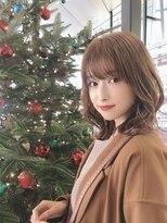 クリスマスデートにオススメ髪型◎顔まわりは小顔効果カット