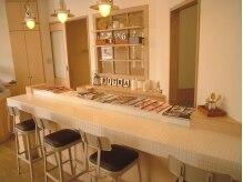 ヴィトラ ヘアラボラトリー(vitra hair laboratory)の雰囲気(カフェのようなオシャレな店内)