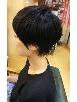 イーリス(IriS)≪高田馬場美容室≫丸みのある黒髪ベリーショート♪