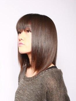 ヘアーヒロ 中央店(hair HIRO)の写真/髪の悩みに応える極上ストレート。最上級の手触り、つややかな髪に。自然になじむ潤いを与えます。