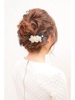 ヘアセットアンドメイクアップ シュシュ(Hair set&Make up chouchou)編み込みガーリーUPスタイル
