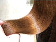 """ネイビー グラ ヘアー ストーリー(NAVY gra HAIR STORY)の雰囲気(美容業界最上質ヘアケアシステム""""Aujua""""で美しい髪をご提案♪)"""