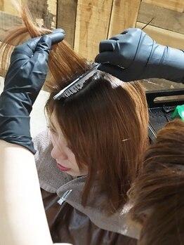 スクエアウーノ(HAIR MAKE SQUARE*uno HAKATA)の写真/《頭皮に付けないゼロタッチカラー》×《髪のダメージを軽減するorganic商材》でお洒落で健康的な髪に☆