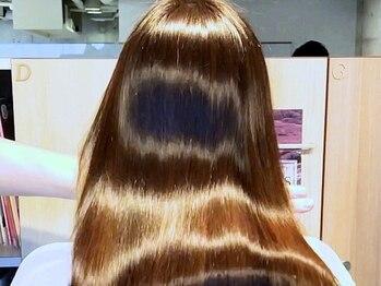 ジーナハーバー(JEANA HARBOR)の写真/【髪質改善トリートメント】くせ毛、ダメージ毛、加齢によるうねり等、髪に対するお悩みを徹底解消!