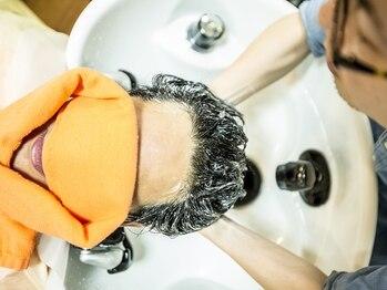 シックス ヘアー オノダ(Six HAIR ONODA)の写真/気になる男の頭皮のニオイ・ベタつき…。メンズの為のヘッドスパでさっぱり洗ってスッキリ解消!!