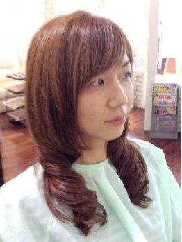 チェレステ(Celeste)の写真/髪のダメージ具合を見極めて、髪質に合ったパーマ剤を選出!なりたいイメージ通りのスタイルを再現します♪
