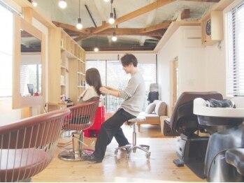 """ミチカケ(michikake)の写真/""""信頼できる技術力×話やすい人柄""""のスタッフで大人女性に大人気。美容室なのに、心までリラックス…◎"""