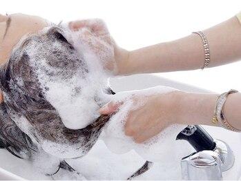 ヘアルーム ナップタイム(hair room nap time)の写真/50年来の歴史を持つ、『Villa Lodola(ヴィラロドラ)』のオーガニック商材使用◇内側から健やかで綺麗な髪に