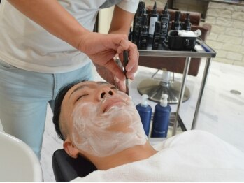 フォーメンオンリーサロン ヴィリーレ(FOR MEN ONLY SALON VIRILE)の写真/《カットには眉デザイン込》プレミアムシェービングや,頭皮スパ&クレンジング等、男のこだわりメニュー充実