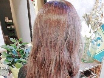 ヘアルーム ナップタイム(hair room nap time)の写真/地肌に優しく、髪へのダメージも少ない『Villa Lodola(ヴィラロドラ)』のカラー剤を使用◇敏感肌の方にも◎