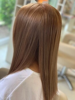 レイフィールド はません店の写真/うねりや広がる髪もしっとりサラサラに♪髪質に合わせた施術で、まとまりのある憧れのストレートヘアを実現