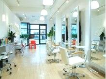 ヘアーサロン クレール(Hair Salon Clair)の雰囲気(白を基調とした店内は気分まで明るくなります☆)