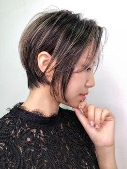 リコヘアー(LiCO HAIR)の写真/骨格と似合わせを見極められるハイキャリアstylistが在籍【カット+カラー+TR¥8500】360°美シルエットに♪