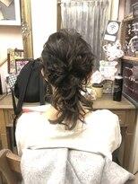 ヘアセットサロン アトリエ チャイ(Hair set salon atelier CHAI)ローポニー風ネオハーフ