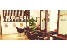 ケーズヘアー 北習志野店(K's Hair)の雰囲気(広い店内でゆったりとした時間をお過ごしください。)