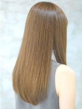 オーフェス 福島店(AUFES)の写真/長年悩んできたクセ・まとまらない髪とはサヨナラ!質感コントロールで貴女の「なりたい」ストレートを実現