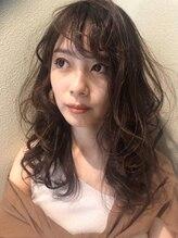 レザボア ヘアーアンドビューティー ハイブ店(reservoir Hair&Beauty Haibe)ラフな抜け感が大人っぽいロングヘア