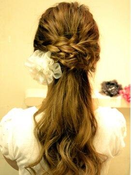 【髪の長さ別】結婚式におすすめのハーフアップの髪型とやり方