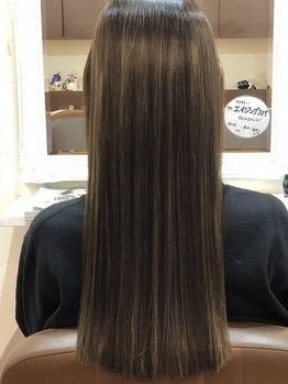アウラ(AULA)の写真/≪何年先も美しい髪に≫髪の毛に必要な栄養成分を贅沢に使用した、最先端の幹細胞液トリートメント。