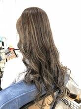 アイボリーヘアワークスアンドエステティック(Ivory Hair works Esthetic)外国人風グレージュカラー