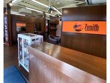 ゼニス(Zenith)の雰囲気(広々した開放的な空間が広がります♪)