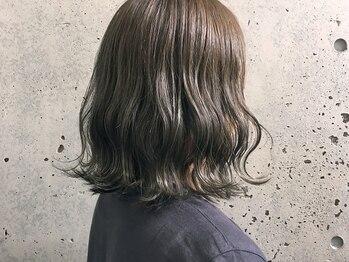 リノア(LINOA)の写真/R【特許技術のケア剤】配合の、Rイルミナカラー/ハイ透明感Rアプリエカラーで美髪艶カラー