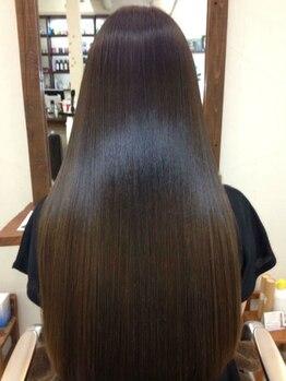 アンティム ヘアーデザイン(antime hair design)の写真/サロン帰りのうる艶髪がずっと続く。ダメージが気になるこの季節、毛先までしっかりケアで褒められヘアに♪