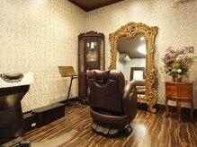 ヘアーアンドメイク シシィ(Hair&Make Sissi)の雰囲気(清潔感のある店内は、こだわりのインテリアも自慢です♪)