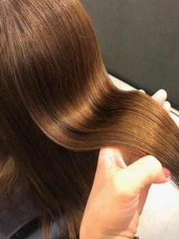 ヘアーデザイン ゴールド(Hair design GOLD)の写真/髪にうねりやパサつきが出てきた方必見!《ハホニコ酸熱トリートメント》で髪のダメージを根本から解決☆