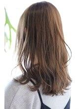 オリガミ ヘアーアンドビューティ 南前川店(ORIGAMI Hair&Beauty)【ORIGAMI】ナチュラルベージュ×ふんわりセミロング