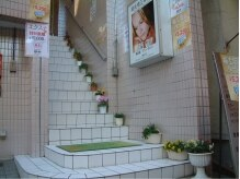 マリーグレイの雰囲気(お店は2階なので…こちらの階段を上がってきてね☆)