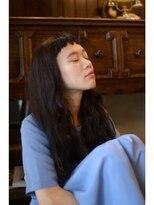 アティック ヘアーデザインアンドリラクゼーション(attic hair design&relaxation)オン眉パッツンでも大人カジュアルなロングスタイル