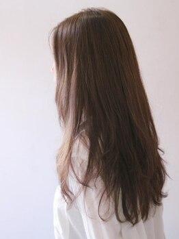 クアトロ ヘア(Quattro hair)の写真/頭皮と髪に優しく上品な色味と上質な手触りが高評価◎綺麗な髪色が自然な柔らかさを再現いたします♪